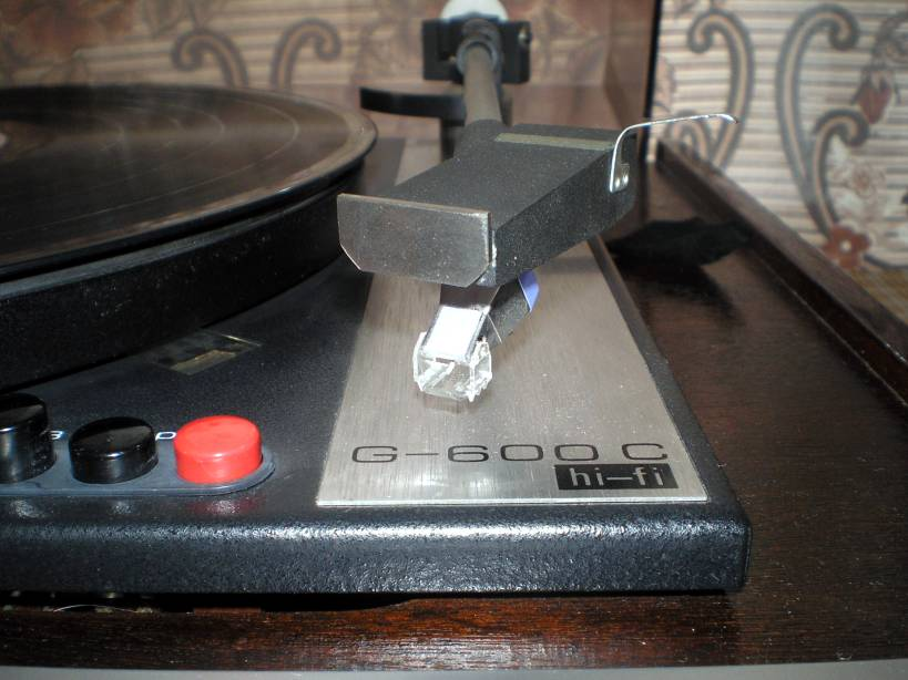 """Проигрыватель ВЕГА-106 стерео (Unitra G-600). корректором-усилителем.  Мой верный  """"виниловый конь """" с модифицированным."""